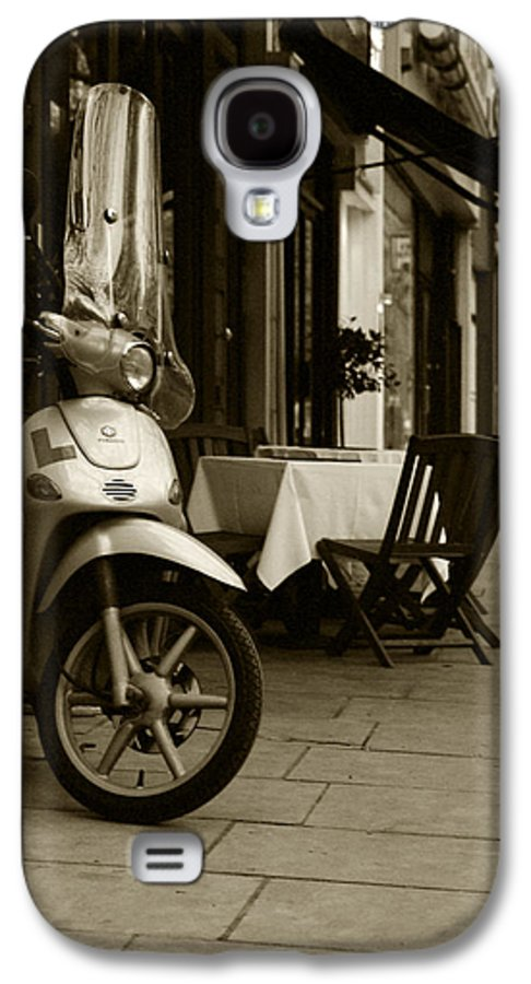 Scooter Galaxy S4 Case featuring the photograph Scooter Cafe by Ayesha Lakes