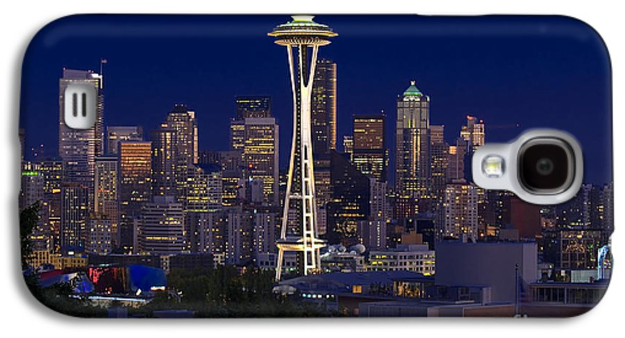 Seattle Galaxy S4 Case featuring the photograph Seattle At Night by Larry Keahey