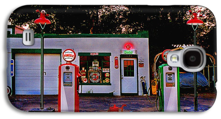 Gas Station Galaxy S4 Case featuring the photograph Sinclair by Steve Karol