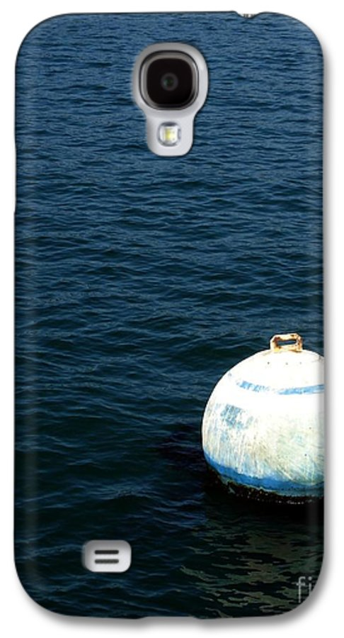 Seascape Galaxy S4 Case featuring the photograph Sit And Bounce by Shelley Jones
