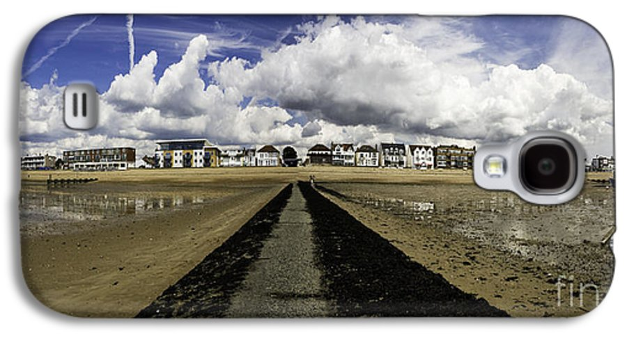 Southend On Sea Galaxy S4 Case featuring the photograph Southend On Sea Panorama by Sheila Smart Fine Art Photography