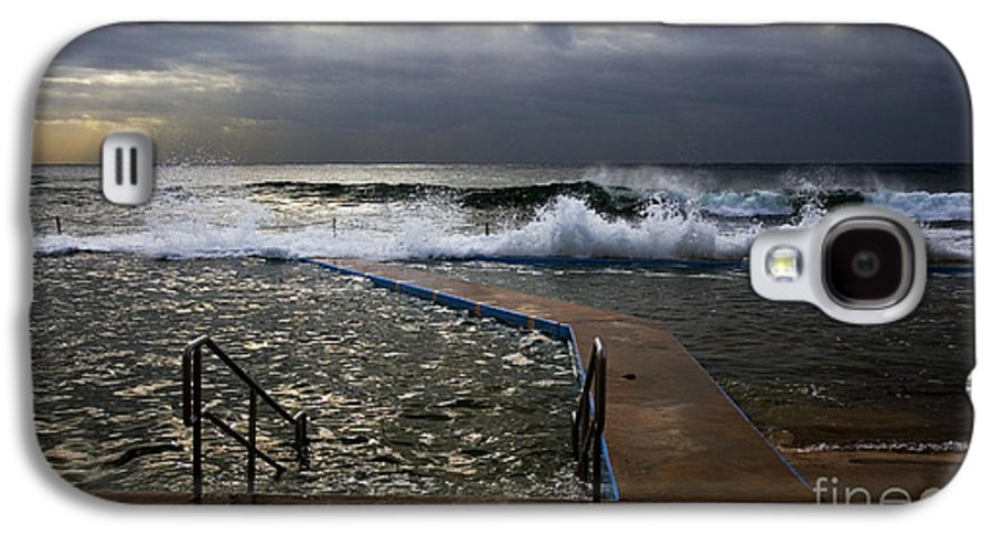 Storm Clouds Collaroy Beach Australia Galaxy S4 Case featuring the photograph Stormy Morning At Collaroy by Avalon Fine Art Photography