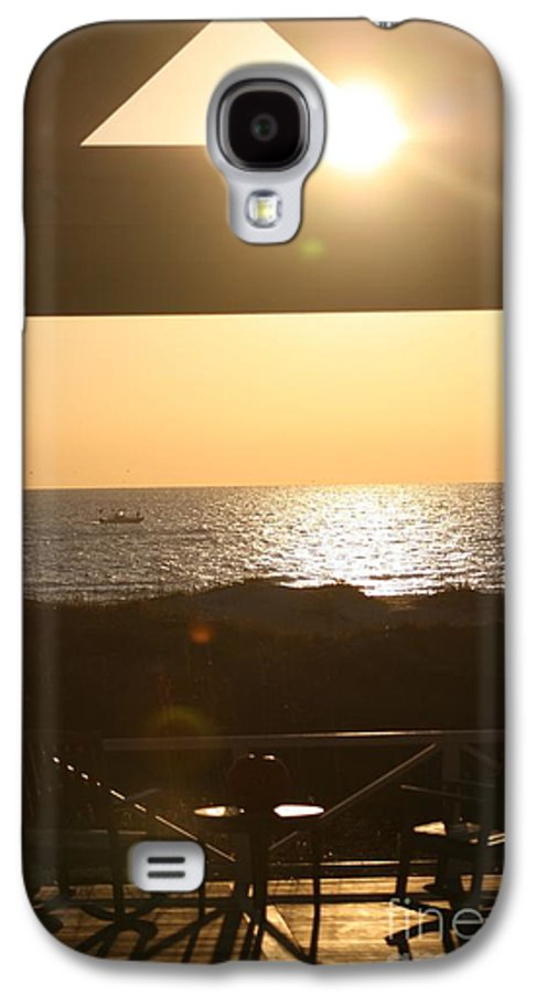 Sunrise Galaxy S4 Case featuring the photograph Sunrise Through The Pavilion by Nadine Rippelmeyer
