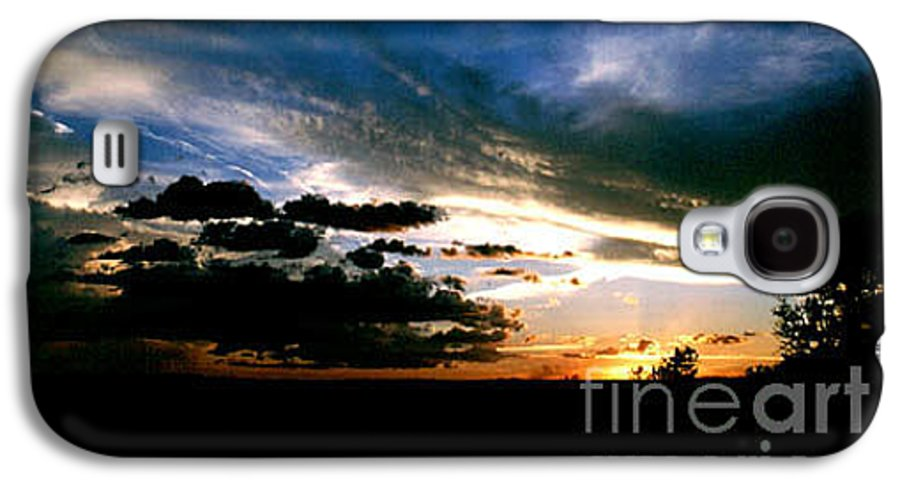 Sunset Galaxy S4 Case featuring the photograph Sunset At The North Rim by Kathy McClure