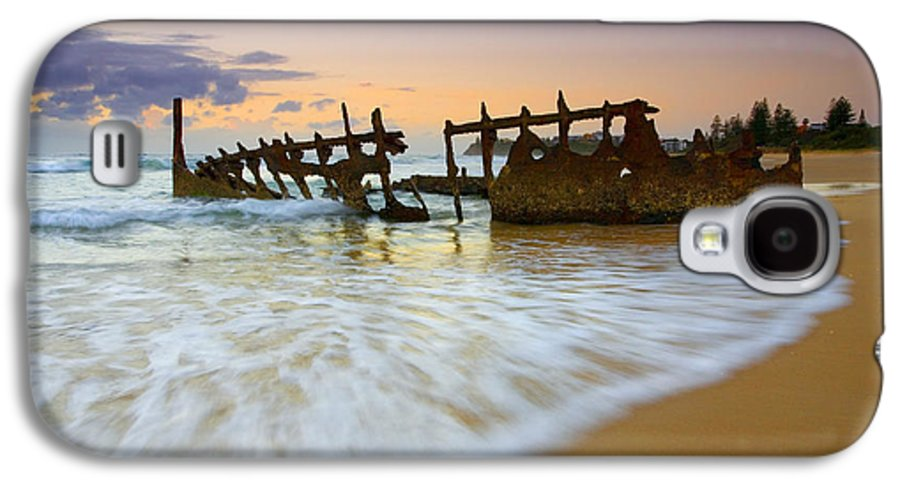 Shipwreck Galaxy S4 Case featuring the photograph Swallowed By The Tides by Mike Dawson
