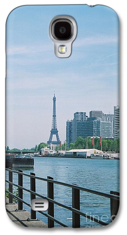 The Eiffel Tower Galaxy S4 Case featuring the photograph The Eiffel Tower And The Seine River by Nadine Rippelmeyer