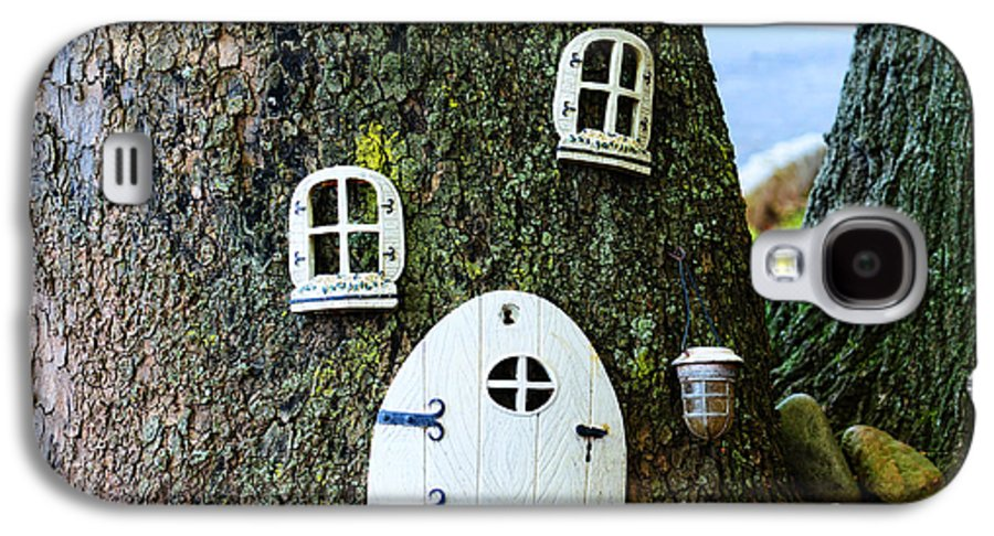 Elf Galaxy S4 Case featuring the photograph The Elf House by Paul Ward