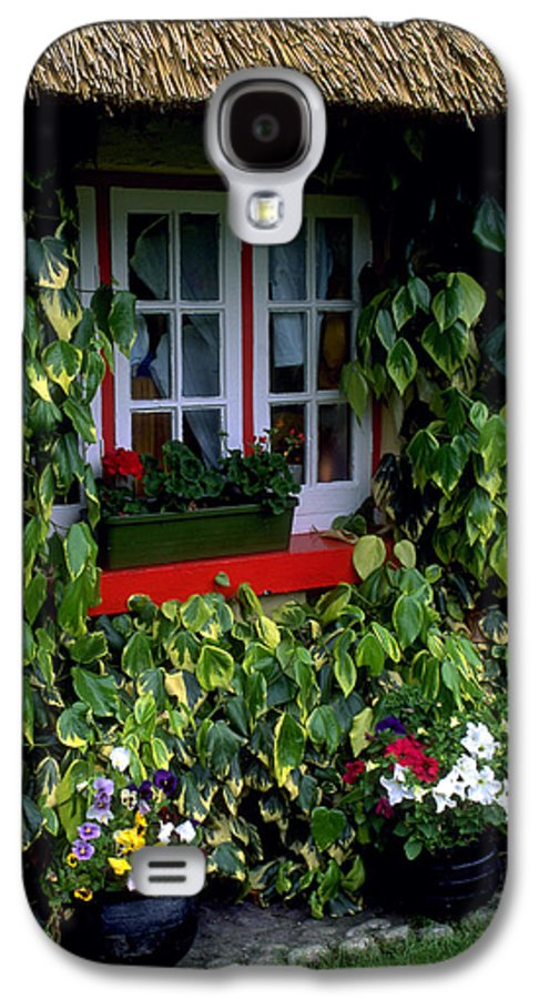 Ivy Galaxy S4 Case featuring the photograph The Perfect Cottage by Carl Purcell