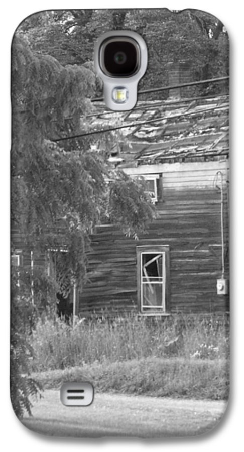 House Galaxy S4 Case featuring the photograph This Old House by Rhonda Barrett