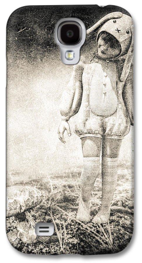 Landscape Galaxy S4 Case featuring the photograph White Rabbit by Bob Orsillo