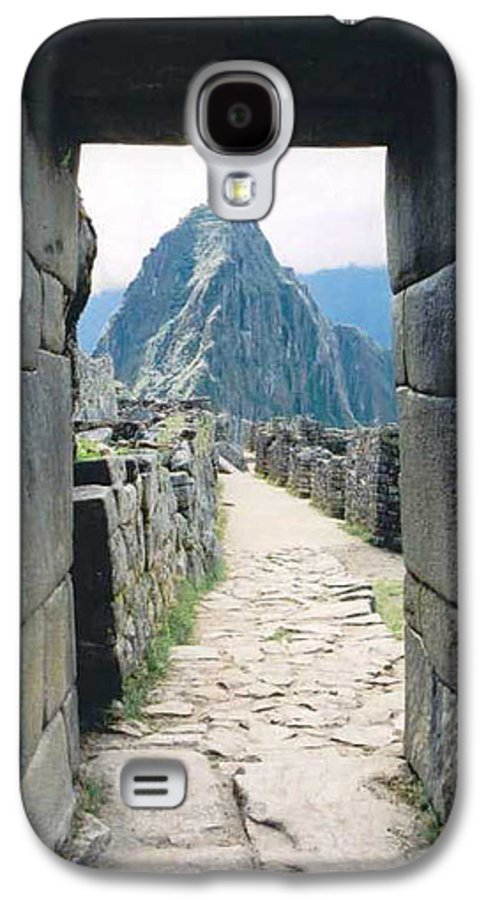 Peru Galaxy S4 Case featuring the photograph Winay Picchu by Kathy Schumann