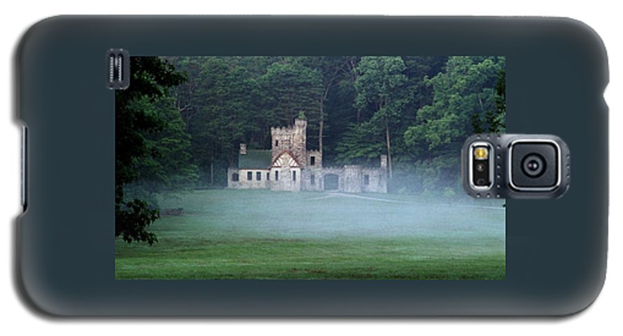 Squire Galaxy S5 Case featuring the photograph 070506-42 by Mike Davis