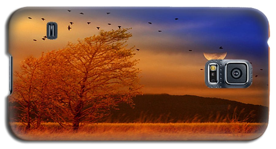 Landscape Galaxy S5 Case featuring the photograph Against The Wind by Holly Kempe
