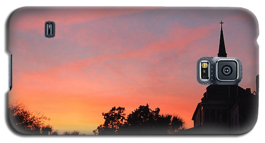 Charleston Galaxy S5 Case featuring the photograph Charleston At Dusk by Suzanne Gaff