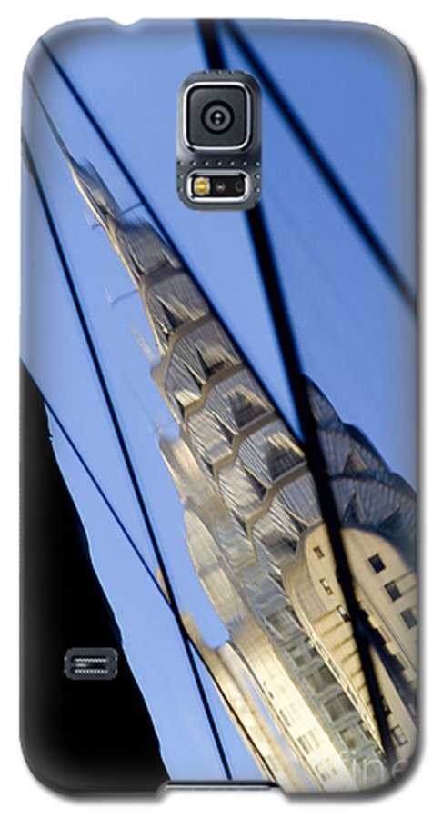 Chrysler Galaxy S5 Case featuring the photograph Chrysler Building by Tony Cordoza