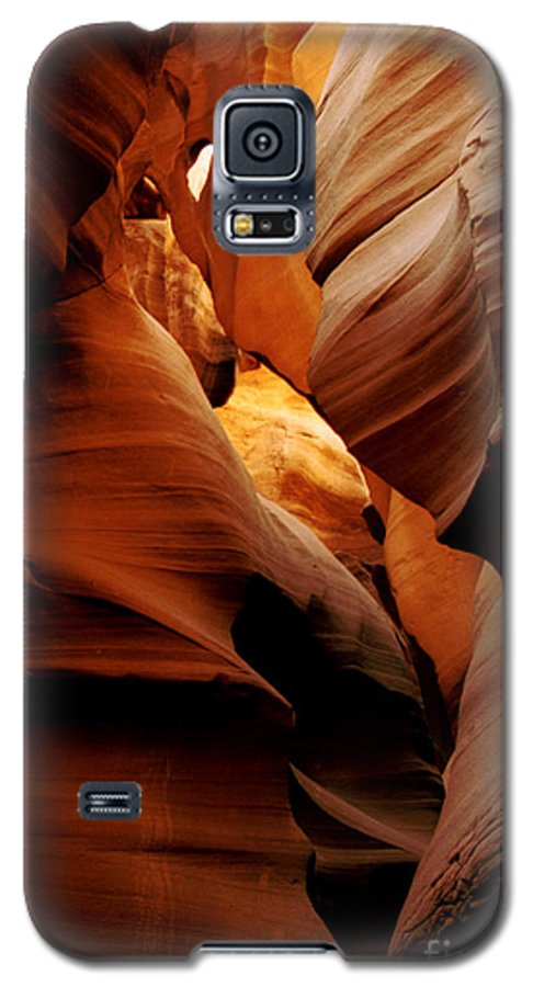 Antelope Canyon Galaxy S5 Case featuring the photograph Convolusions by Kathy McClure