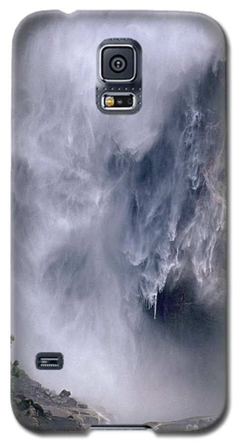 Waterfall Galaxy S5 Case featuring the photograph Falling Water by Kathy McClure
