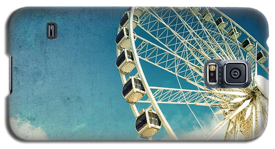 Wheel Galaxy S5 Case featuring the photograph Ferris Wheel Retro by Jane Rix