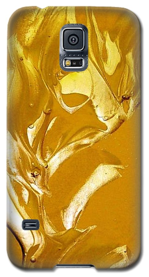 Gold Galaxy S5 Case featuring the painting For Love  For All by Bruce Combs - REACH BEYOND