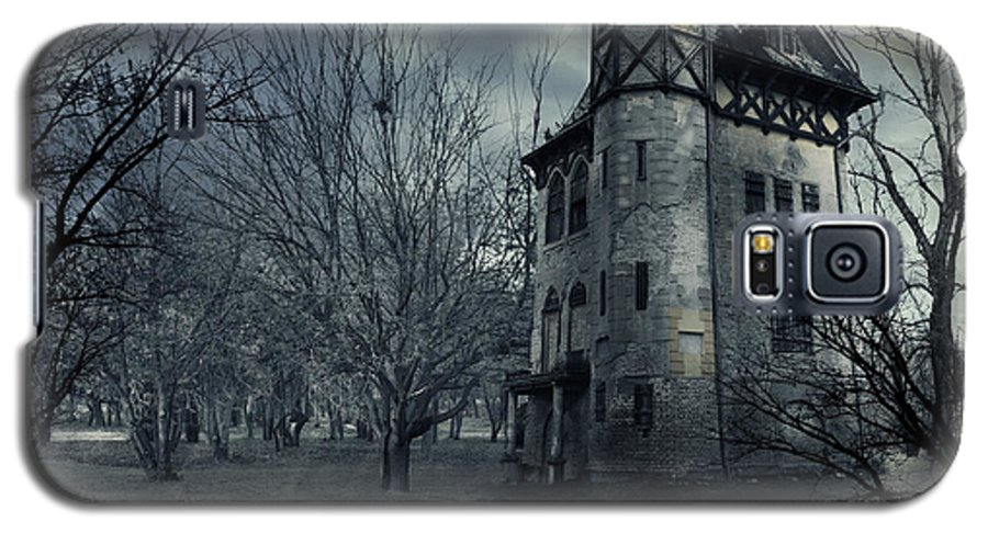 House Galaxy S5 Case featuring the photograph Haunted House by Jelena Jovanovic