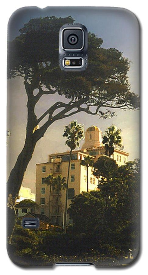 Landscape Galaxy S5 Case featuring the photograph Hotel California- La Jolla by Steve Karol