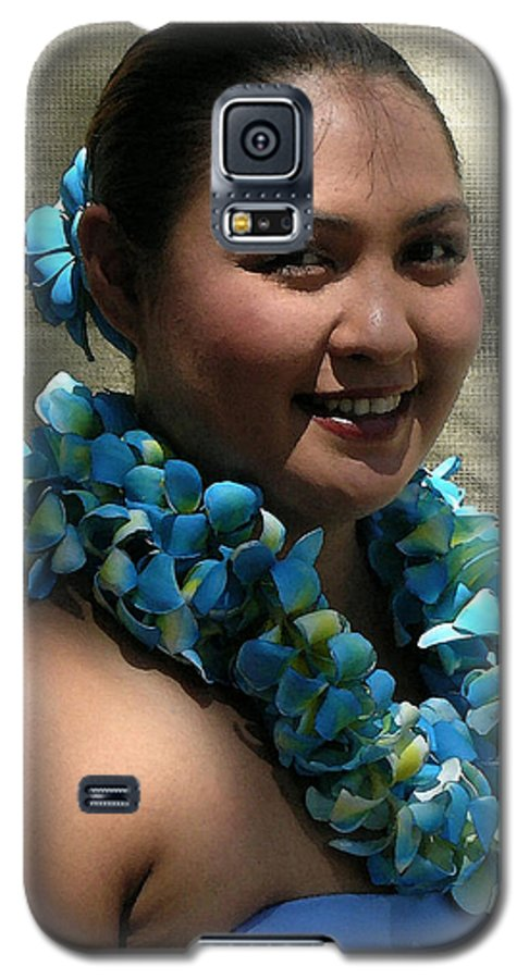 Hawaii Iphone Cases Galaxy S5 Case featuring the photograph Hula Blue by James Temple
