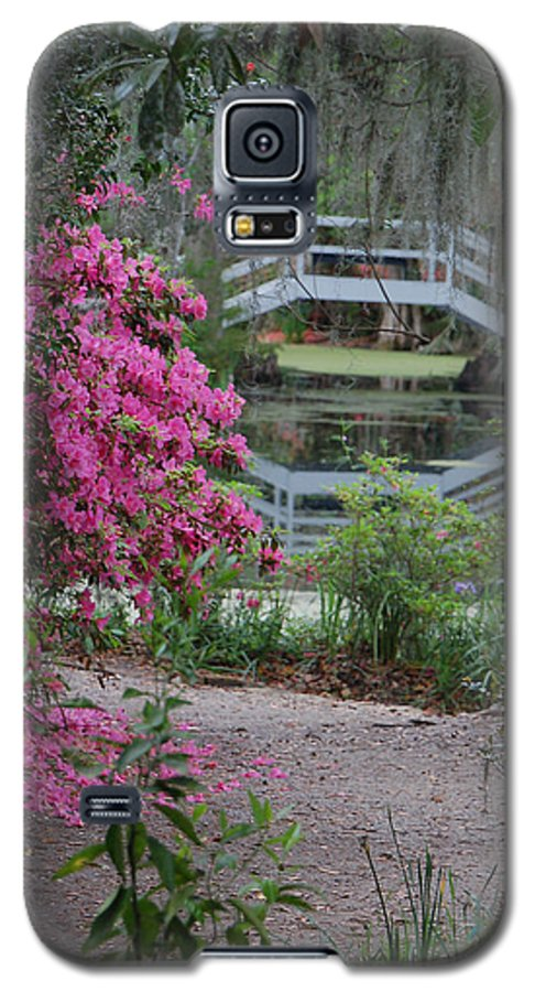 Garden Galaxy S5 Case featuring the photograph Lowcountry Series II - Ode To Monet by Suzanne Gaff