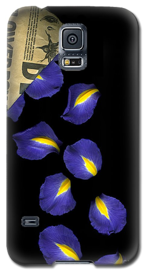 Scanography Galaxy S5 Case featuring the photograph Petal Chips by Christian Slanec
