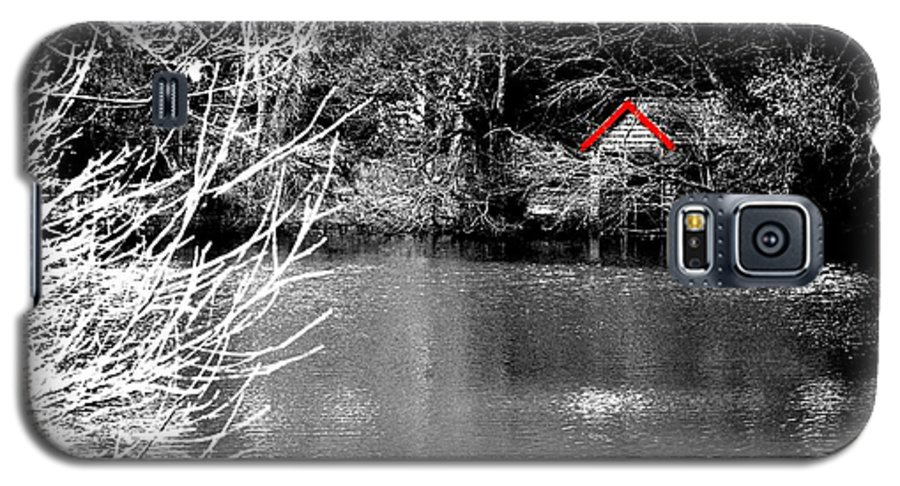 Black Galaxy S5 Case featuring the photograph Shed On The Lake by Christopher Rowlands