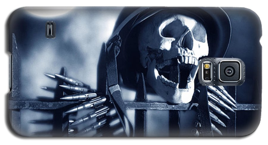Skull Galaxy S5 Case featuring the photograph Skull by Tony Cordoza