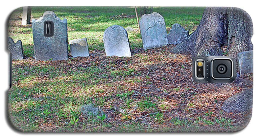 Grave Galaxy S5 Case featuring the photograph The Headstones Of Slaves by Suzanne Gaff