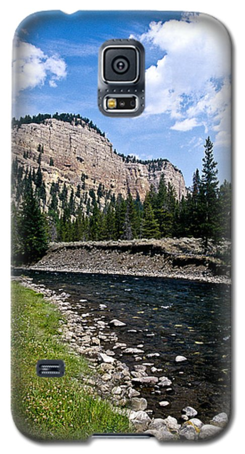 Landscape Galaxy S5 Case featuring the photograph Upriver In Washake Wilderness by Kathy McClure