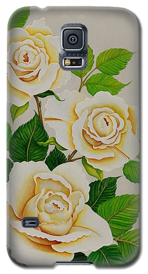 White Roses With Yellow Shading On A White Background. Galaxy S5 Case featuring the painting White Roses - Vertical by Carol Sabo