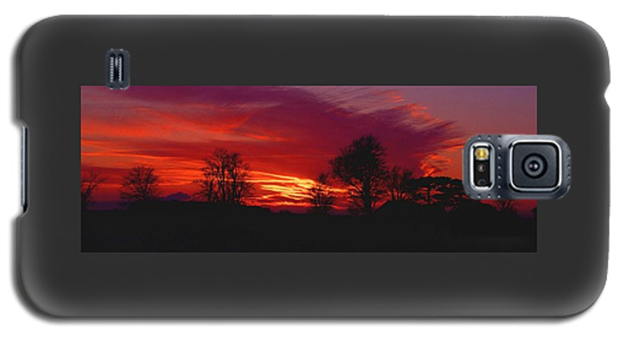 Sunset Galaxy S5 Case featuring the photograph 022107-37 by Mike Davis