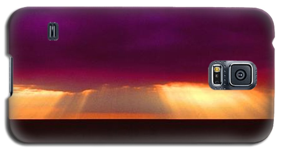 Sunset Galaxy S5 Case featuring the photograph 092908-4 by Mike Davis