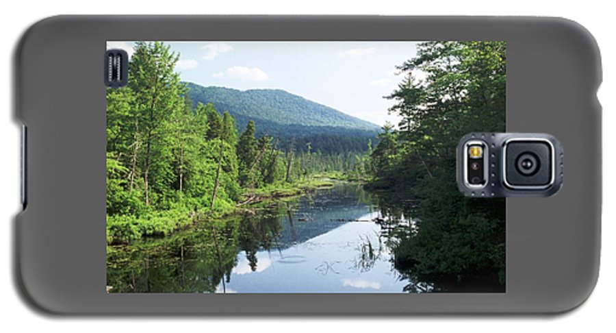 Mountain Galaxy S5 Case featuring the photograph 070506-84 by Mike Davis