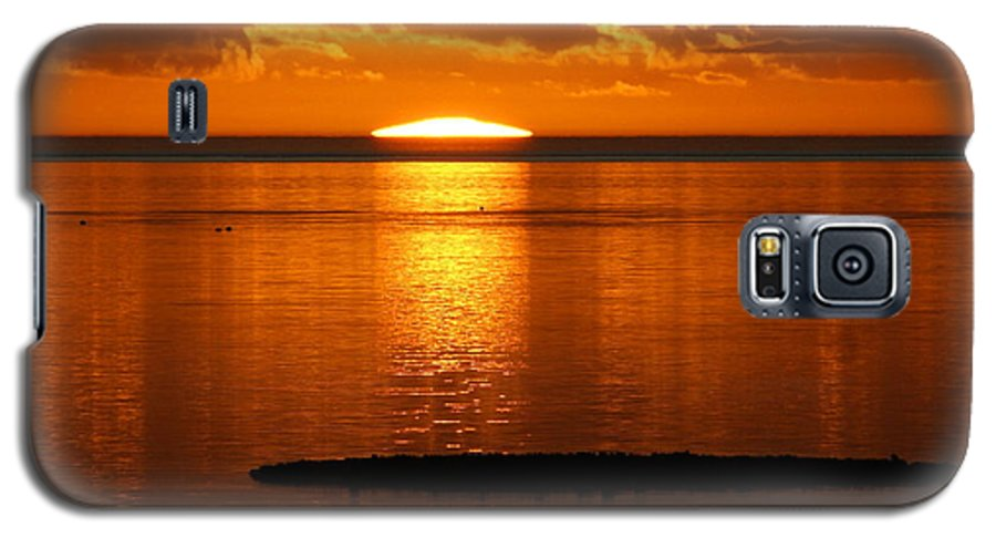Sunset Galaxy S5 Case featuring the photograph Looking For The Green Flash by Debbie May