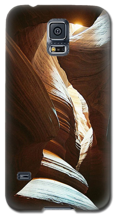 Arizona Galaxy S5 Case featuring the photograph A Spritual Light by Cathy Franklin