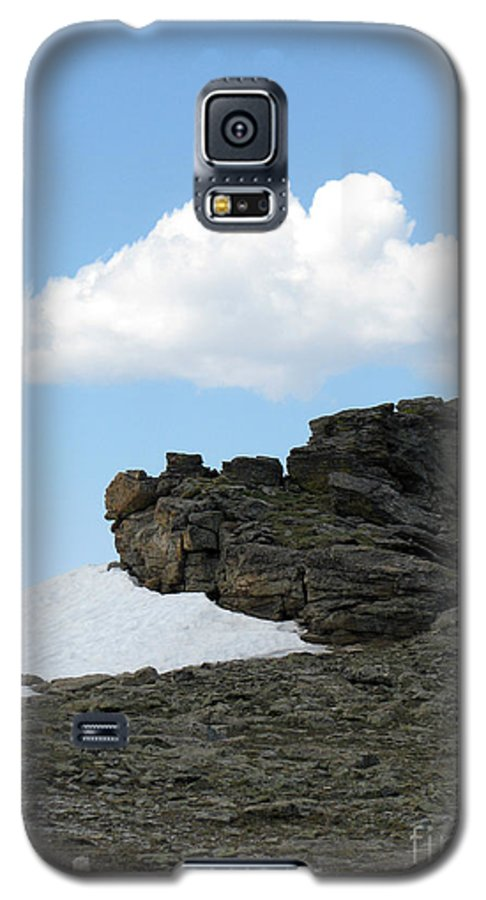Rocky Mountains Galaxy S5 Case featuring the photograph Alpine Tundra - Up In The Clouds by Amanda Barcon