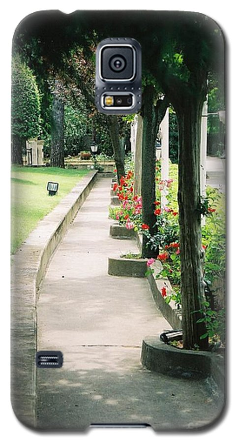 Arles Galaxy S5 Case featuring the photograph Arles Walkway by Nadine Rippelmeyer