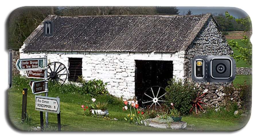 Ireland Galaxy S5 Case featuring the photograph Barn At Fuerty Church Roscommon Ireland by Teresa Mucha