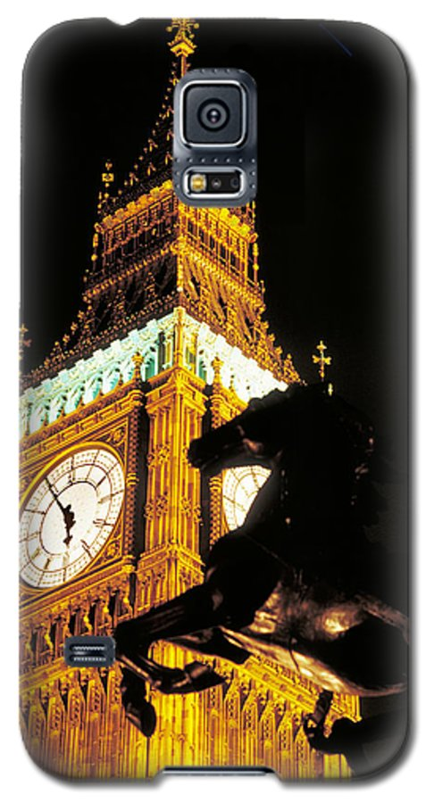 Clock Galaxy S5 Case featuring the photograph Big Ben In London by Carl Purcell