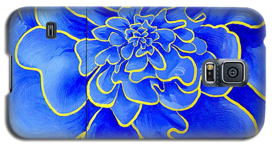 Diptych Galaxy S5 Case featuring the painting Big Blue Flower by Geoff Greene