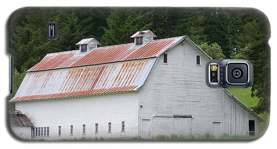 White Galaxy S5 Case featuring the photograph Big White Old Barn With Rusty Roof Washington State by Laurie Kidd