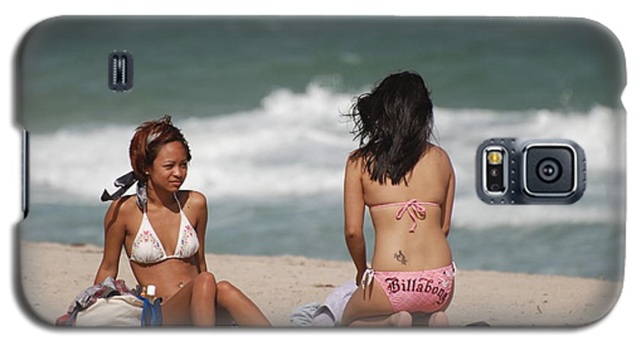 Sea Scape Galaxy S5 Case featuring the photograph Billabong Girls by Rob Hans