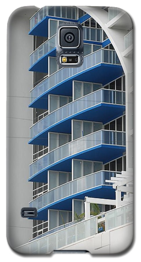 Architecture Galaxy S5 Case featuring the photograph Blue Bayu by Rob Hans