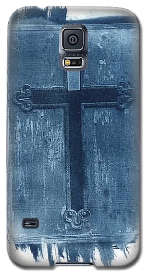 Cyanotype Galaxy S5 Case featuring the photograph Blue Cross by Jane Linders