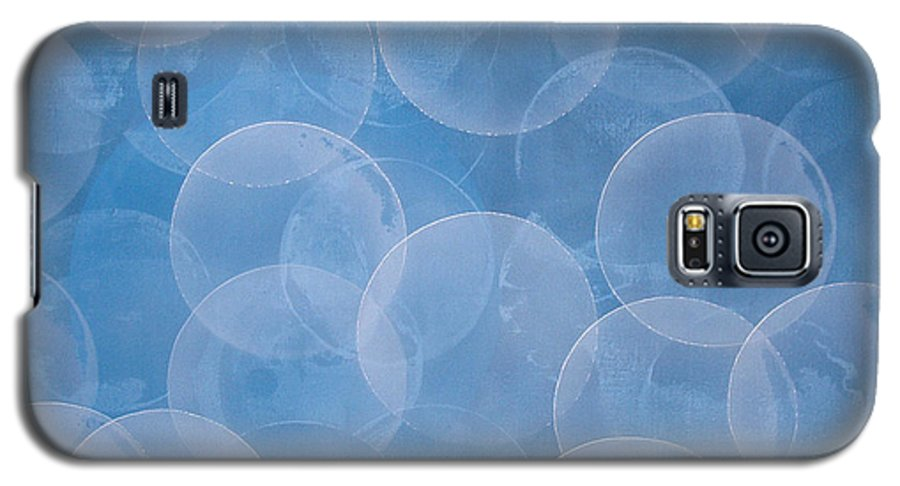 Abstract Galaxy S5 Case featuring the painting Blue by Jitka Anlaufova