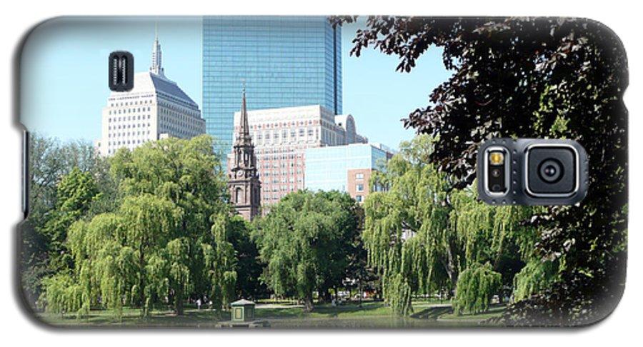 Garden Galaxy S5 Case featuring the photograph Boston Public Garden by Kathy Schumann
