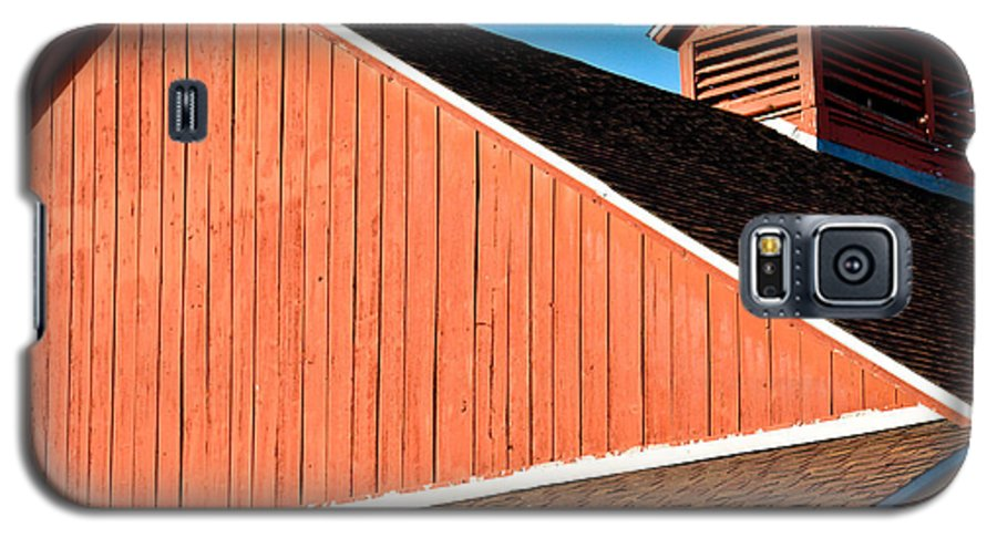 Americana Galaxy S5 Case featuring the photograph Bright Red Barn by Marilyn Hunt